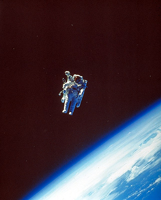 astronaut untethered space walk - photo #21